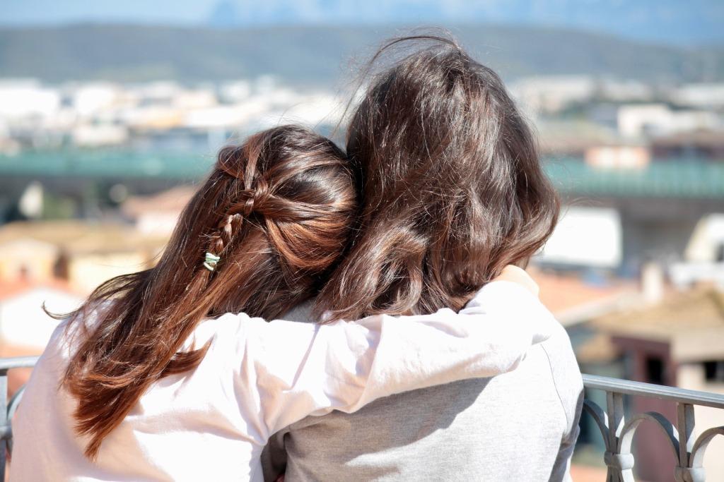 Neurony lustrzane a empatia